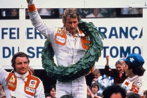 Första segern kom under Frankrikes Grand Prix 1979. Högst upp på pallen Jean-Pierre Jabouille.
