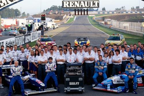 Under 1990-talet dominerade Renaultmotorerna. Här en uppställningsbild med stallen Williams och Benetton.