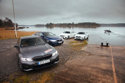 BMW 330e tar sig längst på kraften som lagras i batterierna. 4,3 mil är inget dåligt resultat.