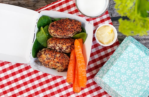 Finger food är perfekt på picknick – som dessa nuggets av knaprig quinoa!
