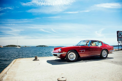 """Borranihjulen beställdes av förste ägaren i samband med köpet. Färgen heter """"Rosso Cordoba""""."""