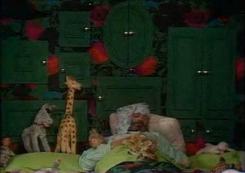 Vi älskade luckorna och myset i Beppe Wolgers sovrum.