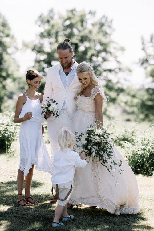 I somras gifte sig Emily med sin Christian.