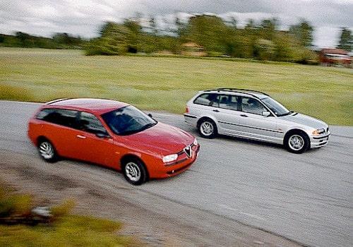 Alfa Romeo 156 Sportwagon 2,0 TS och BMW 318i Touring