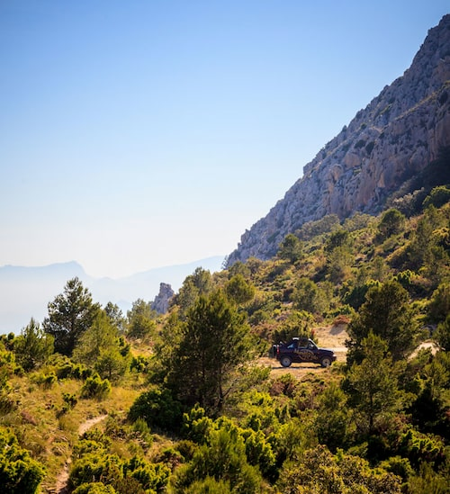 Ta en jeeptur i det omgivande berglandskapet med Marco Polo adventures.