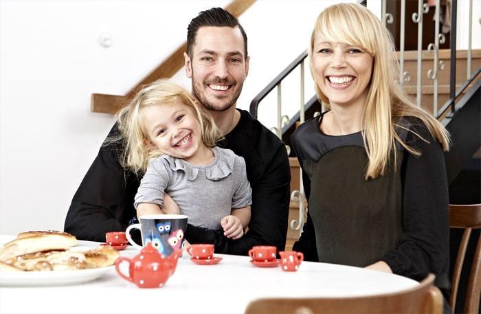 Linda Gullberg med maken Peter och dottern Nico, 3.