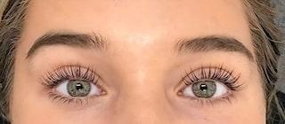 långa ögonfransar naturligt
