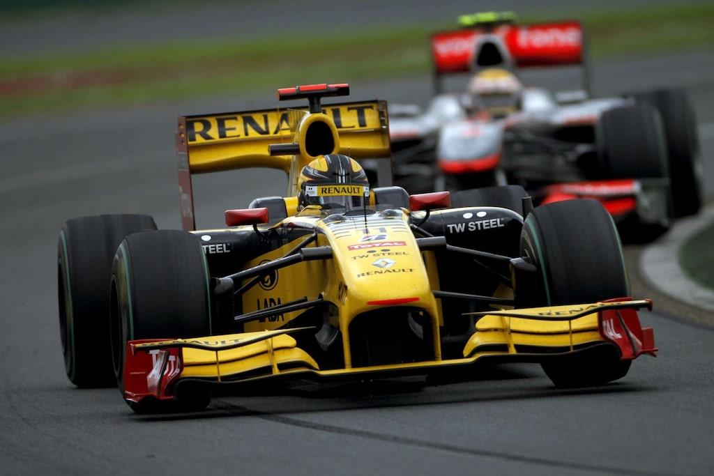 Robert Kubica i Renaults F1-bil under Australiens Grand Prix 2010