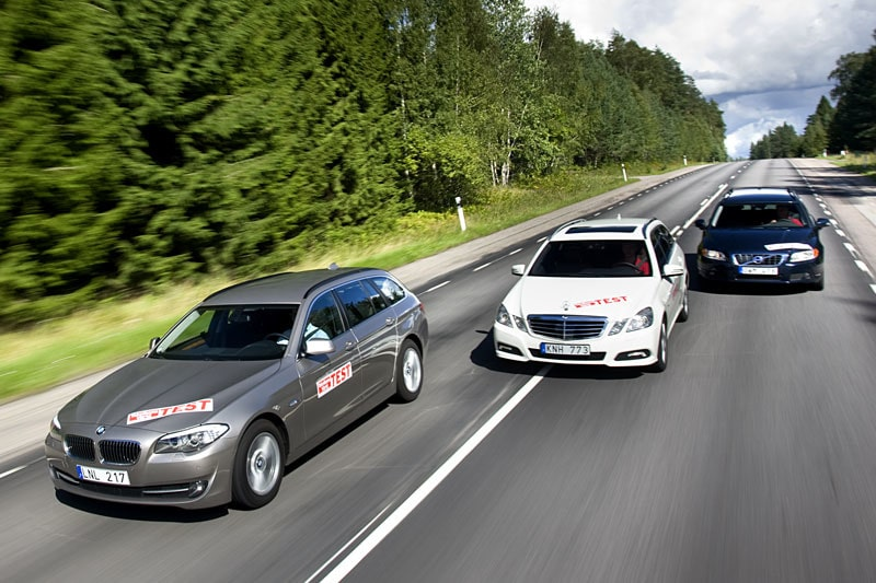Nya BMW 5-serie Touring mot Mercedes E-klass kombi och Volvo V70.