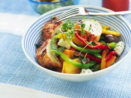 Grekisk wok med yoghurtkyckling