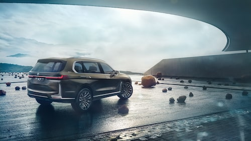 Konceptbilen BMW Concept X7 iPerformance från 2017.