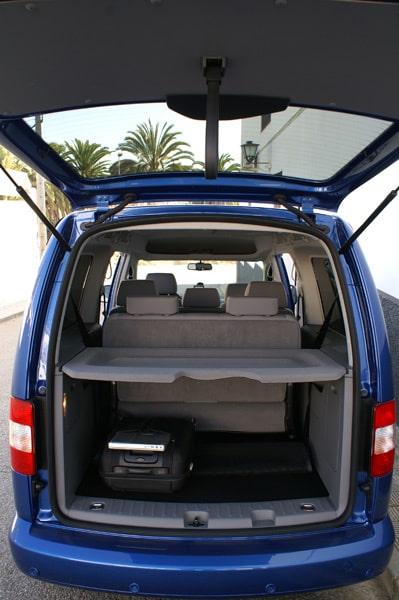 Med alla sätesrader på plats finns det fortfarande plats för 530 liter bagage under insynsskyddet.