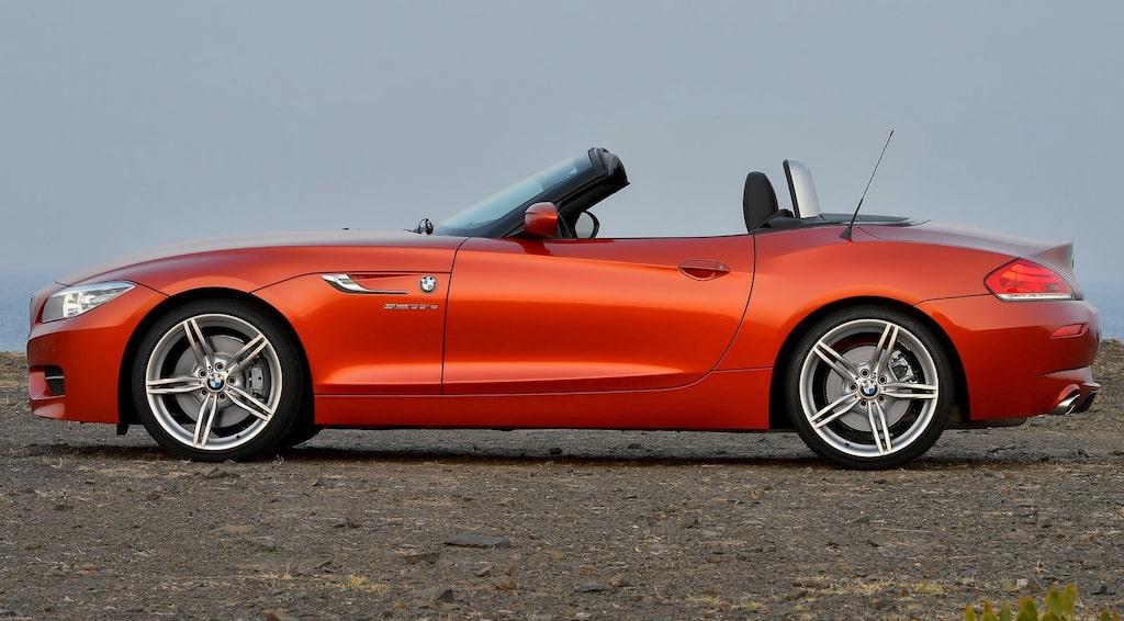 BMW Z4 Roadster 2014. Svep höger/vänster för jämförelse.