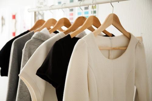 Bli ett proffs på att rensa garderoben, med hjälp av enkla tips.