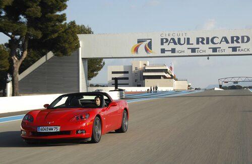 För att känna på skillnaderna från den tidigare modellen är vi på plats på den välkända testbanan Paul Ricard i Sydfrankrike.