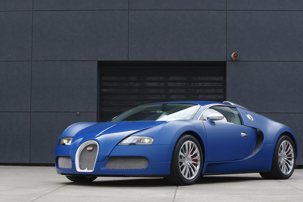 110627-bugatti-veyron-slut