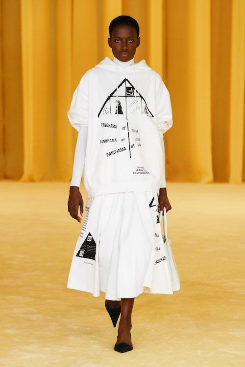 Vårens trendigaste hoodie kommer från Prada SS21