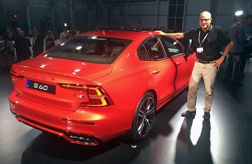 Mikael Stjerna är på plats i nya Volvo-fabriken i USA där nya S60 har avtäckts.