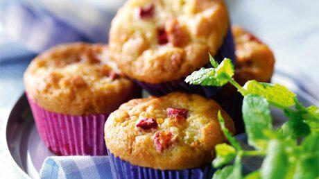 Muffins, rabarber  med vitchoklad
