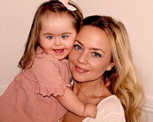 """""""Skulle någon i vår närhet vänta ett barn med DS skulle jag bara gratulera och känna lycka för dem"""", säger Hanna."""