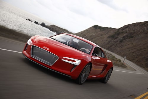 Som Audi e-tron är konstruerad i dag vägen den drygt två ton. När produktionsbilen är klar ska vikten vara nere i cirka 1600 kilo.