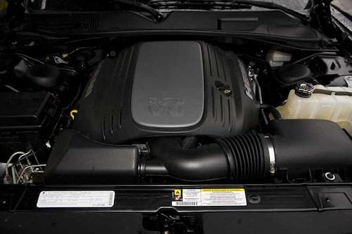 Challengers bultande hjärta är en klassisk Hemi-motor.