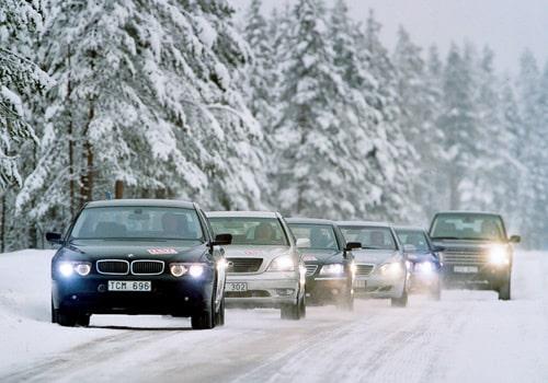 Audi A8 4,2, BMW 735i Lexus LS430, Mercedes S 400 CDI/S 500 4MATIC, Range Rover Vogue och Volkswagen Phaeton W12