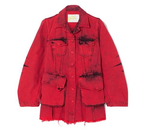 Röd jeansjacka från Marques' Almeida.