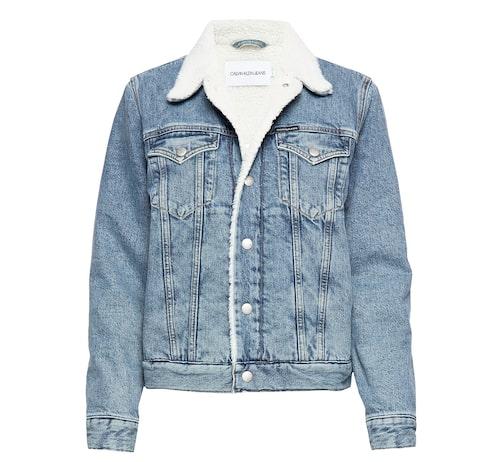 Fodrad denimjacka för dam från Calvin Klein Jeans.