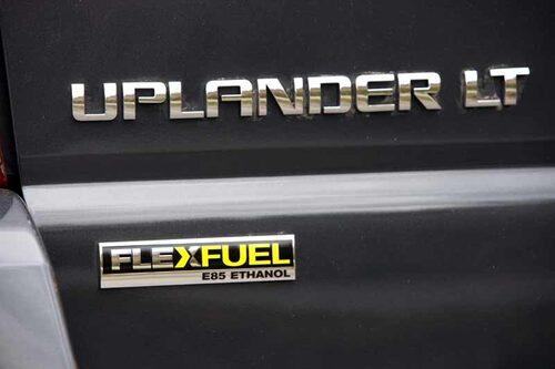 """Van eller suv eller både och? Det är inte helt lätt att definiera Chevrolet Uplander men om företaget själva får bestämma blir det """"Crossover Sport Van""""."""