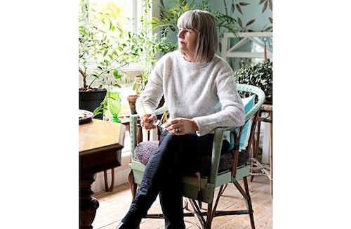 Konstnärinnan AnnLis Krüger har bott på gården sedan 70-talet.