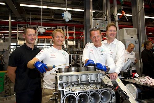 Nära teamet: Ola Källenius med Michael Schumacher och Nico Rosberg. Schumacher är också en av Källenius favoritförare.