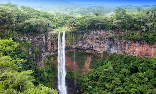 Vattenfallet Chamarel är en av Mauritius sevärdheter.