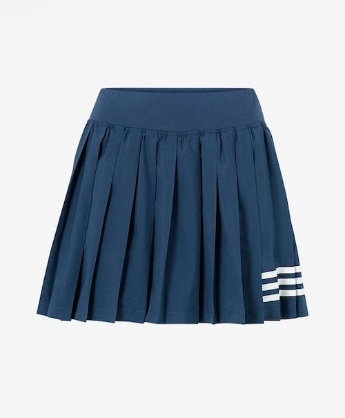 Plisserad tenniskjol från Adidas.