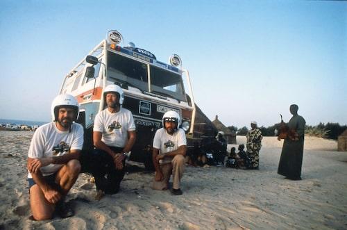 Målgång 1983 i Dakar. John Granäng, Sture Bernhardsson och Hasse Henriksson.
