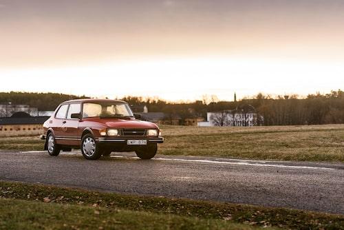 När Saab 99 debuterade var prislappen 18385 kronor. 1984 kostade den drygt 60000 kronor. Totalt tillverkades 588643 Saab 99 mellan åren 1967-1984.