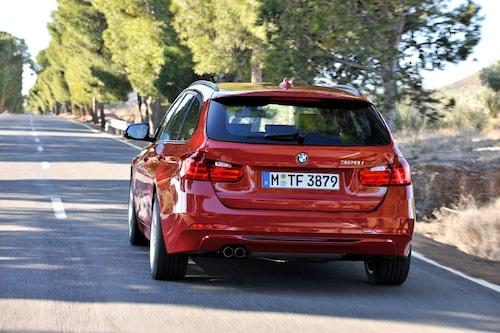 Rent tekniskt står nya BMW 3-serie Touring, F31 kallad enligt internbeteckningarna i München, på samma grund som nya 3-serie som presenterades med pompa och ståt i BMW:s hemstad i höstas.