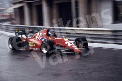Bild 25. Patrik Tambay tog över Gilles Villeneuve sits hos Ferrari 1982. Här i Massanetkurvan i Monaco 1983. Mått 50 x 35 cm.