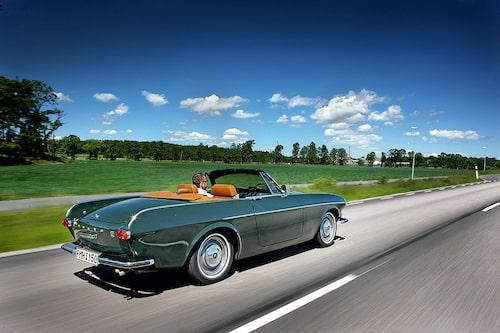 Den amerikanska Volvo-handlaren Volvoville byggde om ett 30-tal bilar till cabrioleter. Volvovilles 1800 Convertible är i dag ett hett samlarobjekt men håller inte samma kvalitet som bilen på bilden – så sent som på 1990-talet ombyggd till cabriolet av dåvarande ägaren Stefan Lindfors.