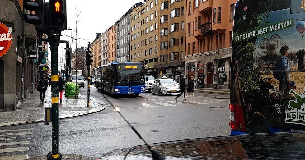 Trafik på Hornsgatan i Stockholm.