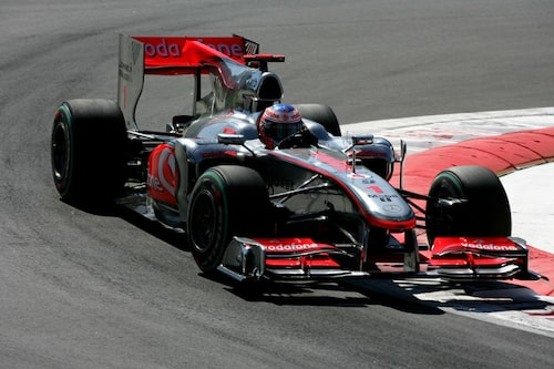 Button tog starten och ledde ända till depåstoppet på varv 37.