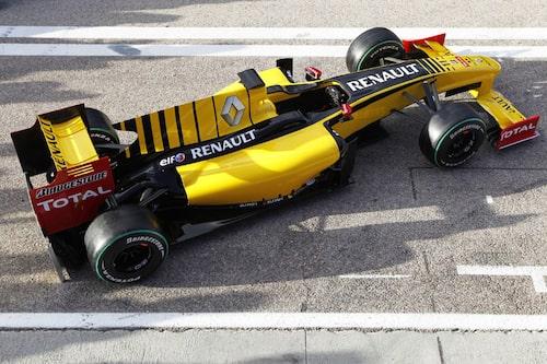 Renault F1 Team R30 (Renault). Förare: Robert Kubica, Vitaly Petrov.