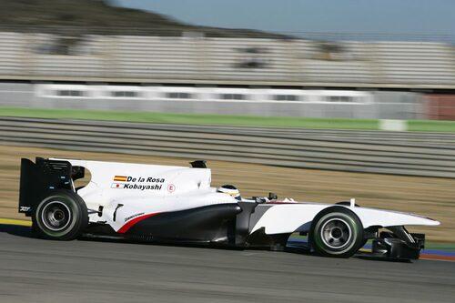BMW Sauber C29 (Ferrari). Förare: Pedro de la Rosa, Kamui Kobayashi.