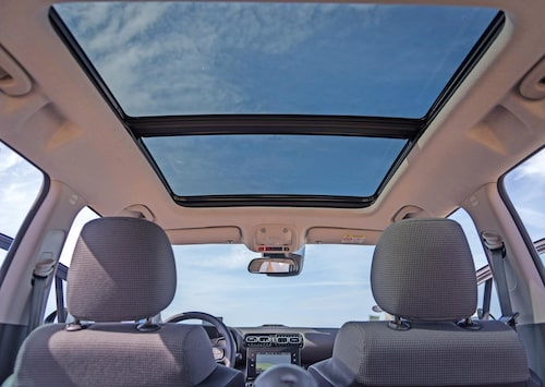 Öppningsbart panoramatak ingår i högsta utrustningsnivån Shine.