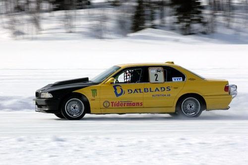 BMW 750 körs av Bosse Hårdén och är etanoldriven. Observera bromsfallskärm bak. 169,16 km/h kom han upp i.
