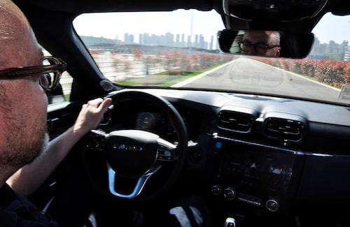 Hans Hedberg bakom Lynk & Co-ratten, på plats i Kina. Men vi vill nog köra ännu mer här på hemmaplan, vad det lider.