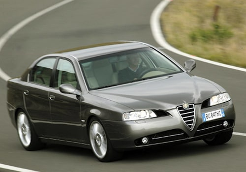 Alfa Romeo 166.
