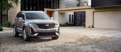Cadillac tjuvstartade Detroit-salongen med modellen XT6.