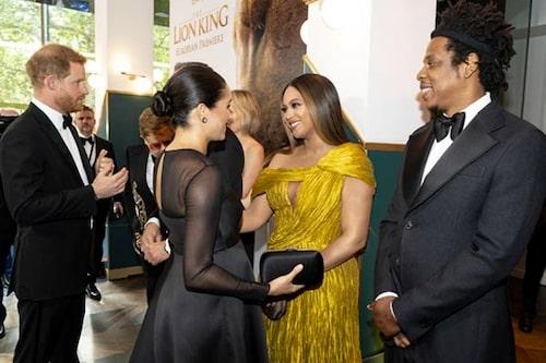 Beyoncé och Meghan såg ut som gamla väninnor när de möttes under söndagens premiär.