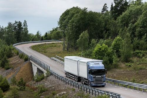 Scania R 500 6x2 med trailer